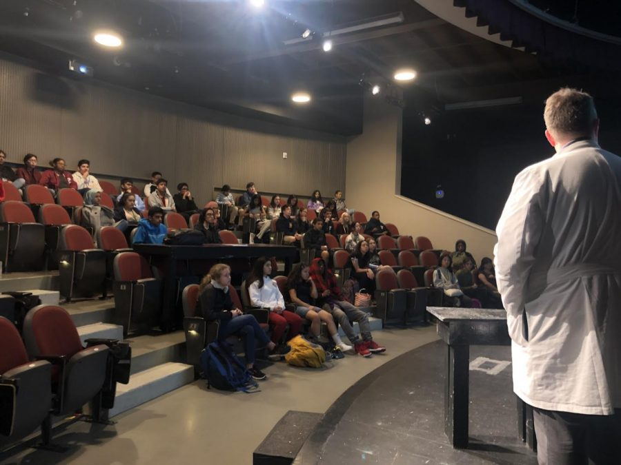 Dr. Wesley Long, Assistant Professor of Pathology and Genomic Medicine, Academic Institute Houston Methodist, speaks to students interested in a health professions career.